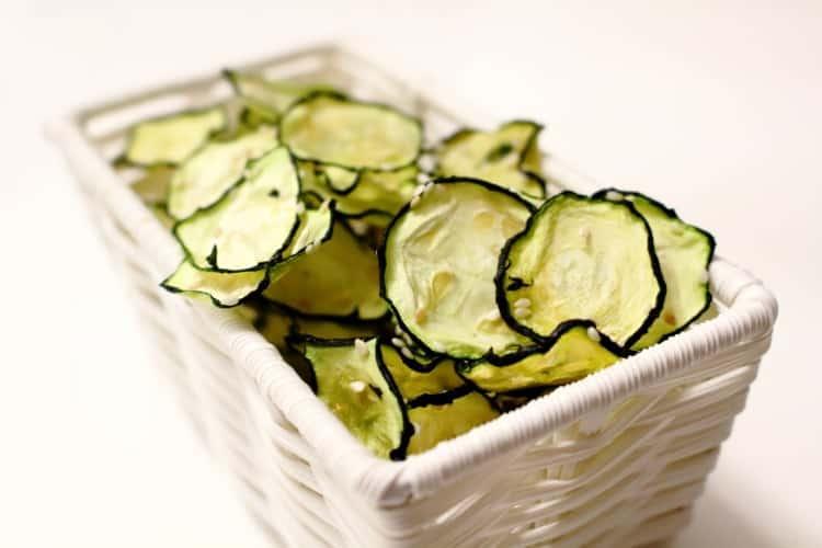 Zucchini chips dehydrated