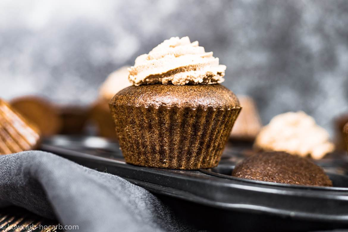 Chocolate Keto Cupcakes