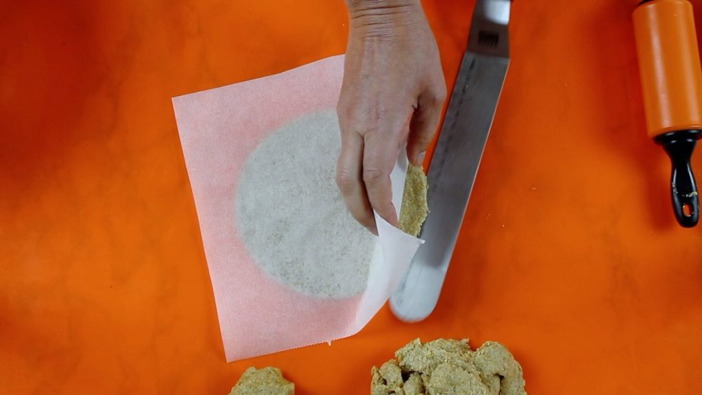 making keto flaxseed wraps