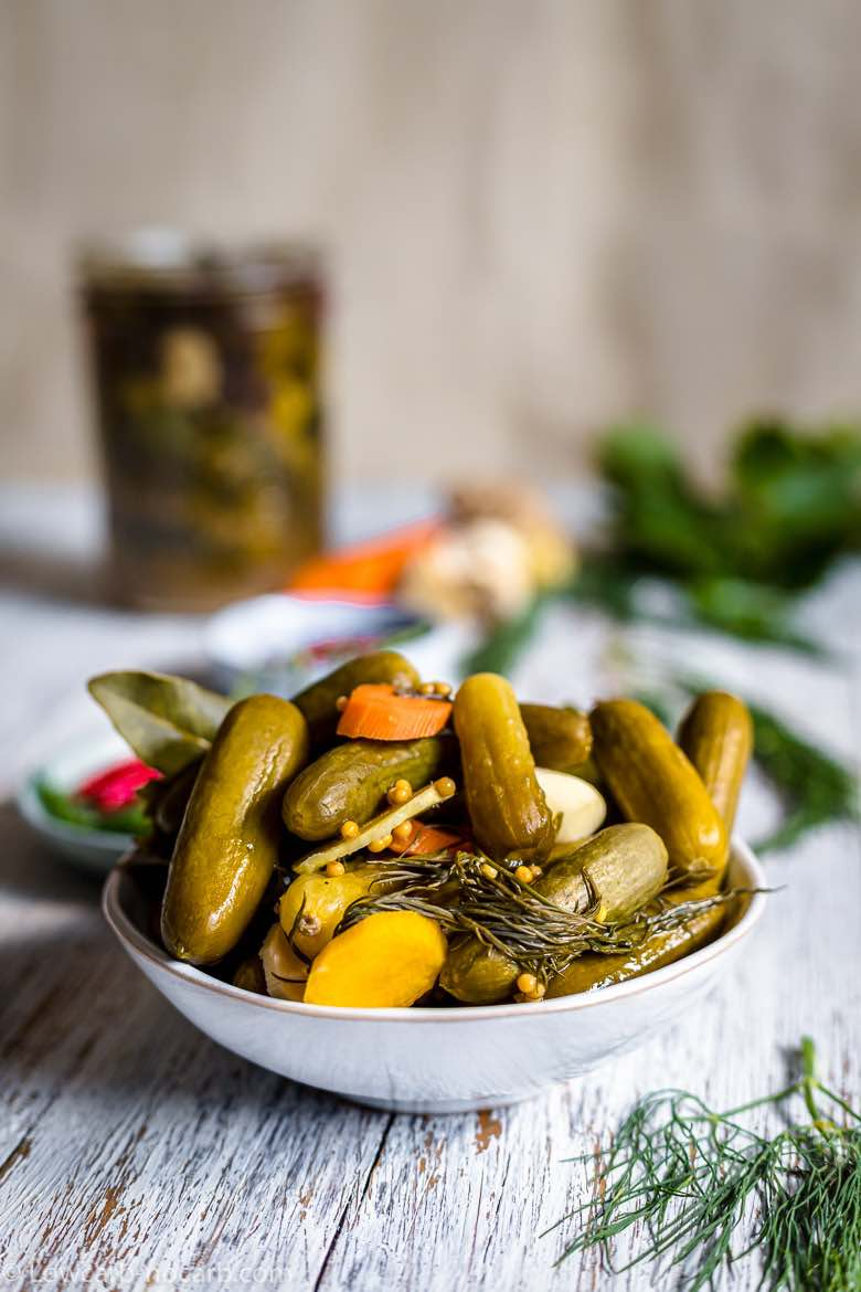 pickles with dill and carrots