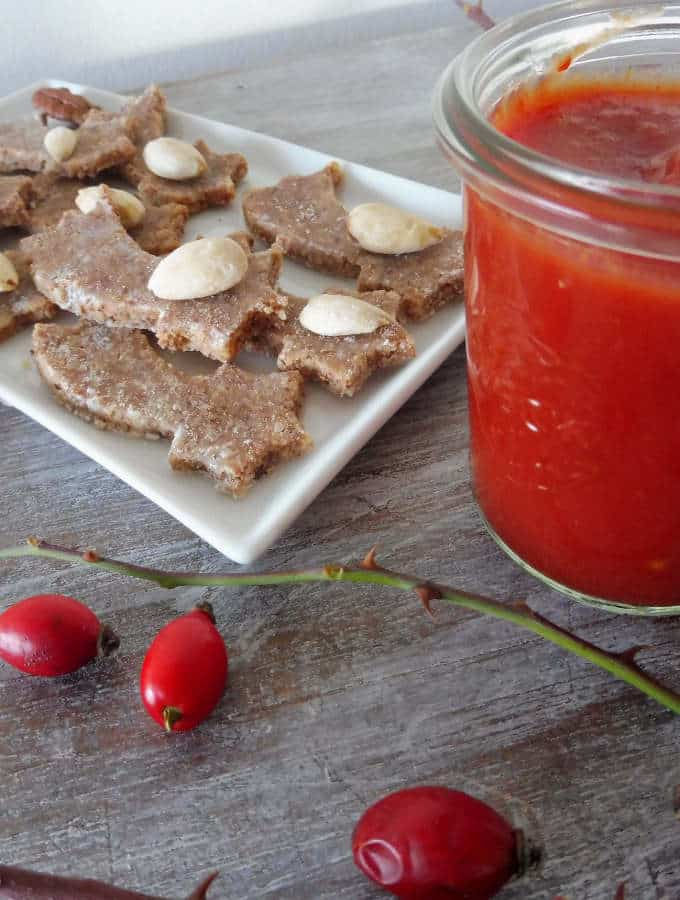 Raw Rose hips cookies are made of two ingredients only