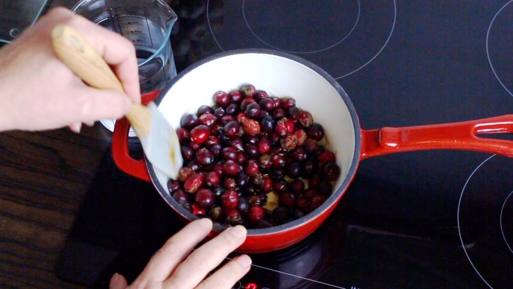 Keto Sugar-Free Cranberry Sauce only 3 ingredients
