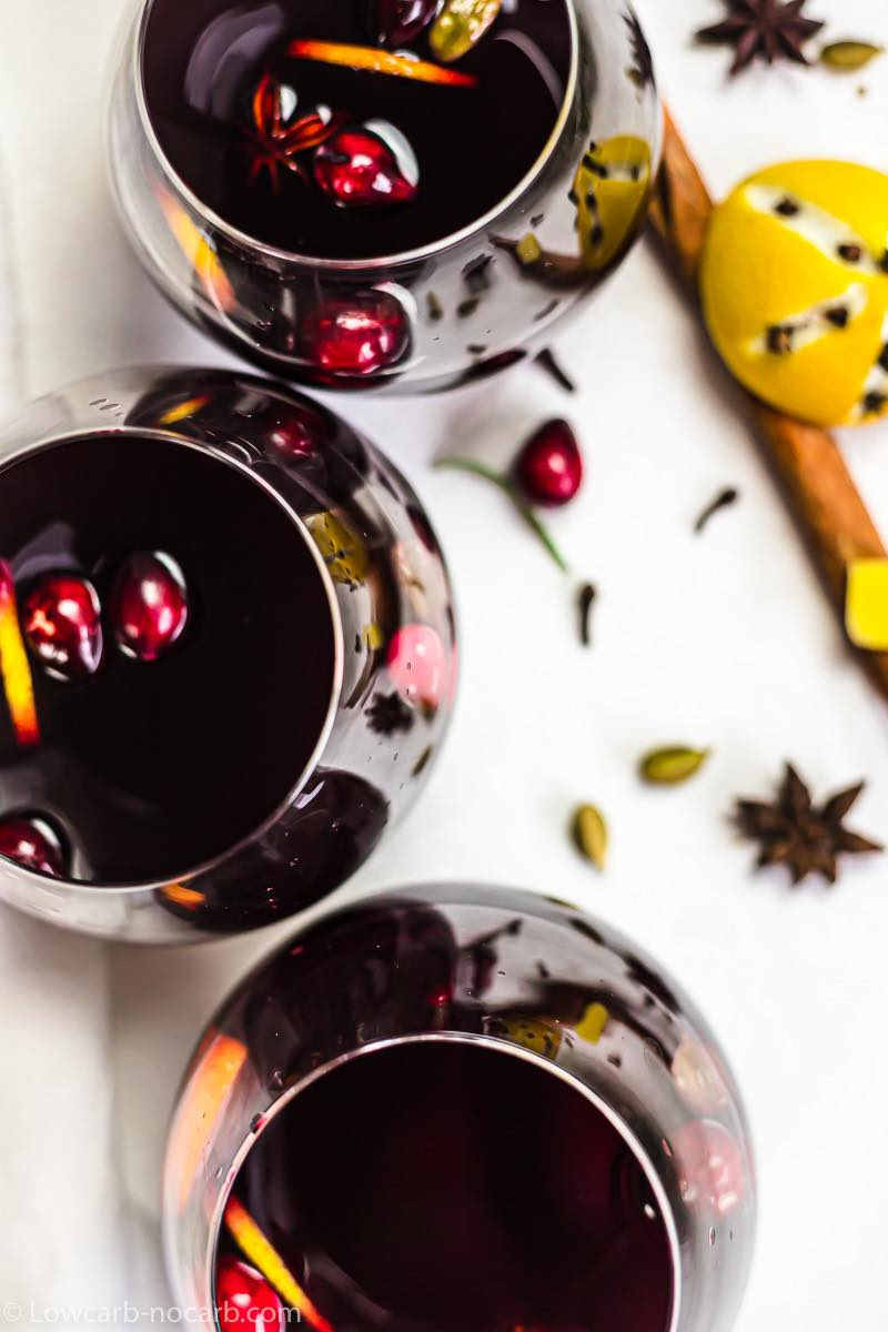 3 glasses of mulled wine