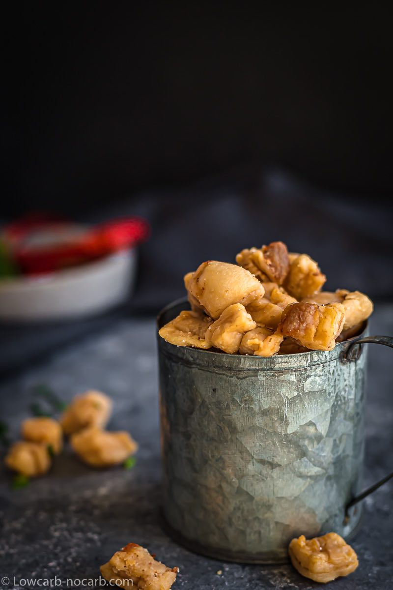 Homemade Crispy Pork Lard Scratchings Recipe