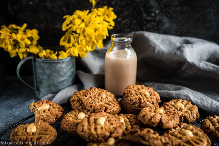 Quick and Easy Keto Peanut Butter Cookies
