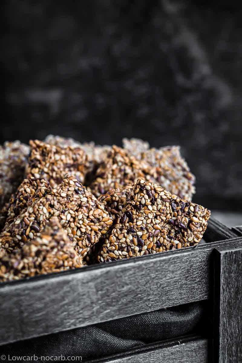4 Seeds Bread Crackers