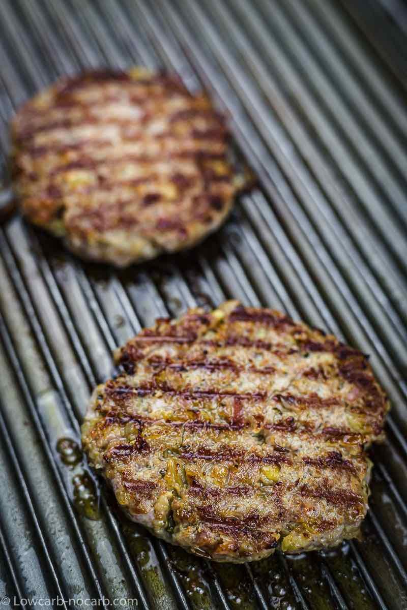 Bun-less Bacon Burgers Low Carb