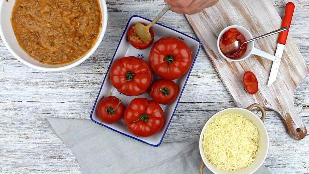 Healthy Stuffed Tomatoes adding sauce