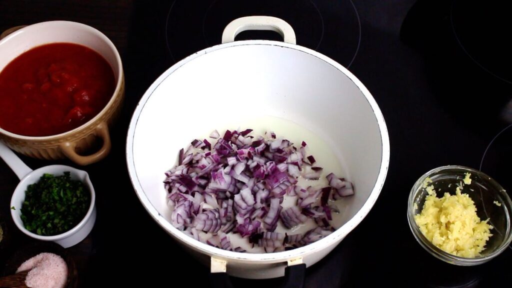 Low Carb Tomato Sauce browning onions